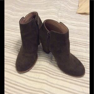 OLD NAVY olive green ankle boots
